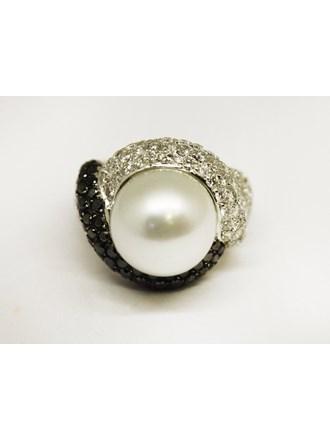 Кольцо Золото 750 Жемчуг Бриллианты