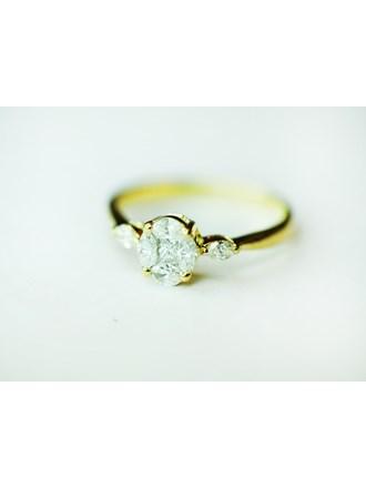 Кольцо с бриллиантом золото 750