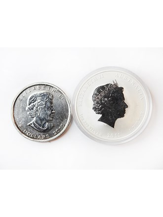 "Монеты 2 шт. 1 Dollar 2011 года и 5 Dollars 2010 года Серебро 999"""