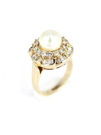 Кольцо с бриллиантами и жемчугом