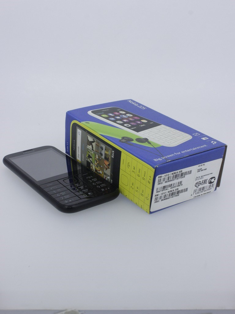 Телефон Nokia 225