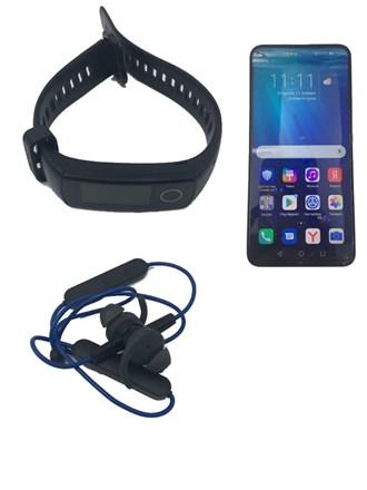 Телефон, наушники и часы