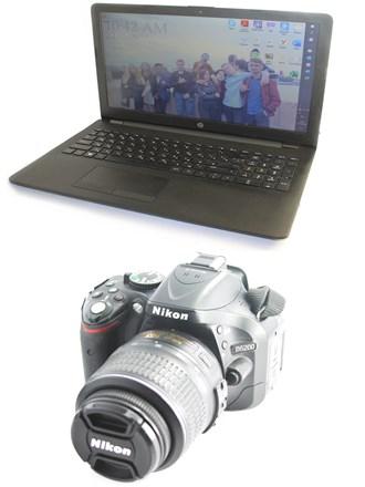 Ноутбук и фотоаппарат