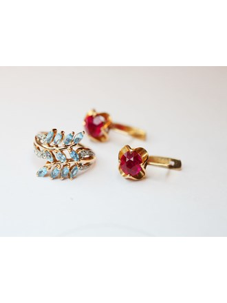 """Серьги пара и кольцо с бриллиантами и топазами Золото 585"""""""
