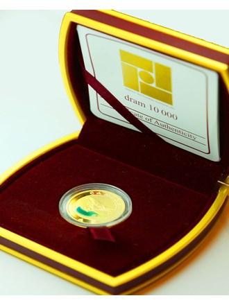 Монета Рак 2009 года в коробке Золото 900