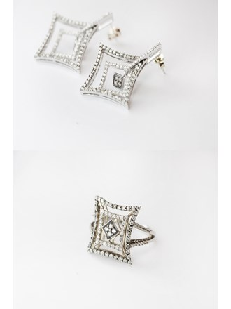 Комплект серьги пара, кольцо с бриллиантами золото 750