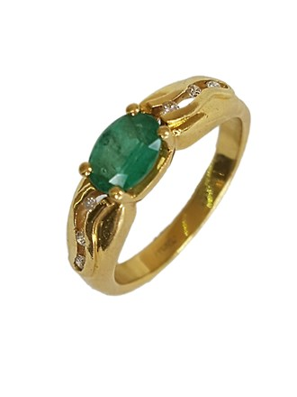Кольцо изумруд, бриллианты золото