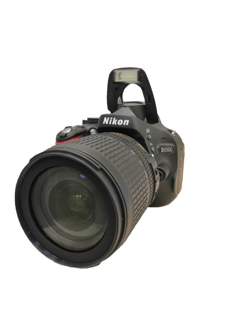 Фотоаппарат Nikon D5100.