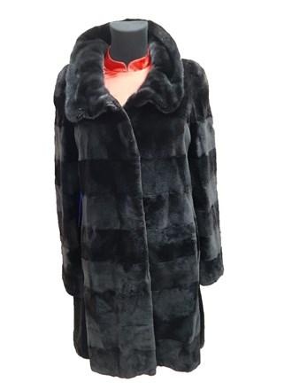 Пальто женское из меха норки.