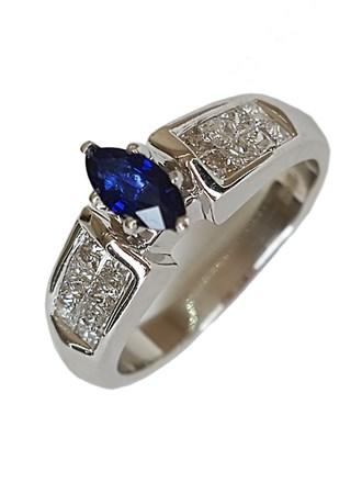Кольцо с бриллиантами, сапфир золото