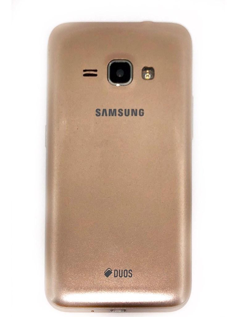 Телефон Samsung  J1 (2016)