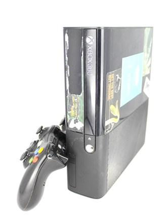 Игровая консоль X-box 360