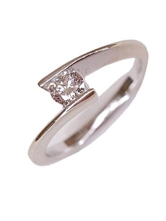 Кольцо с бриллиантом, золото