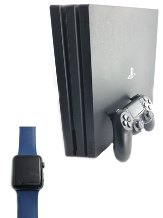 Игровая консоль и часы