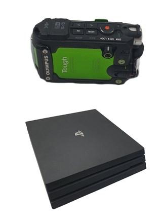 Игровая консоль и камера