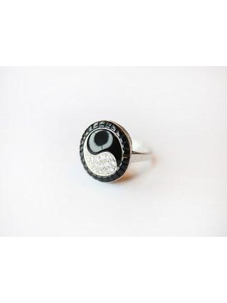"""Кольцо Золото 750"""" с бриллиантами, камнями синтетическими"""